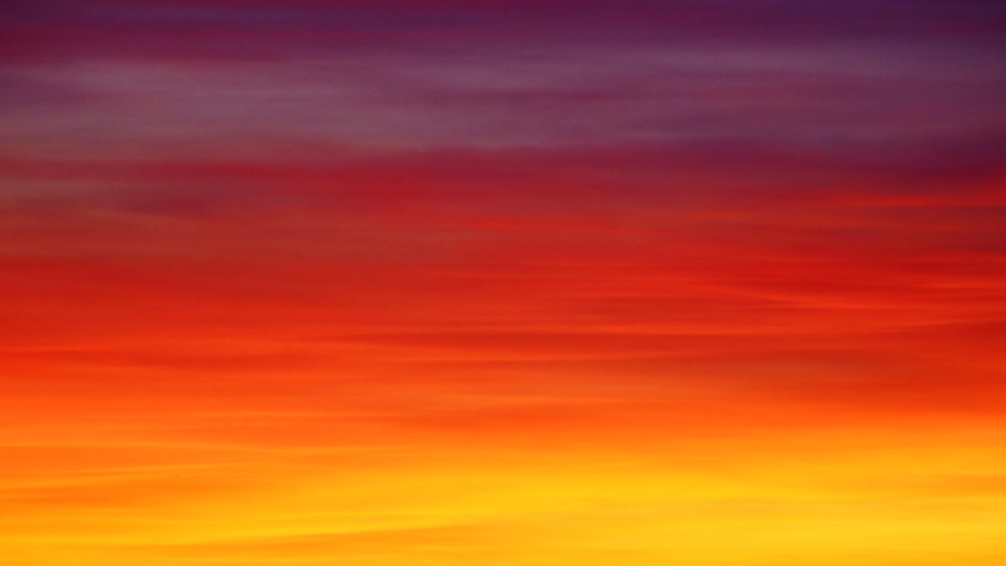 Ảnh background bầu trời hoàng hôn đỏ rực như cam