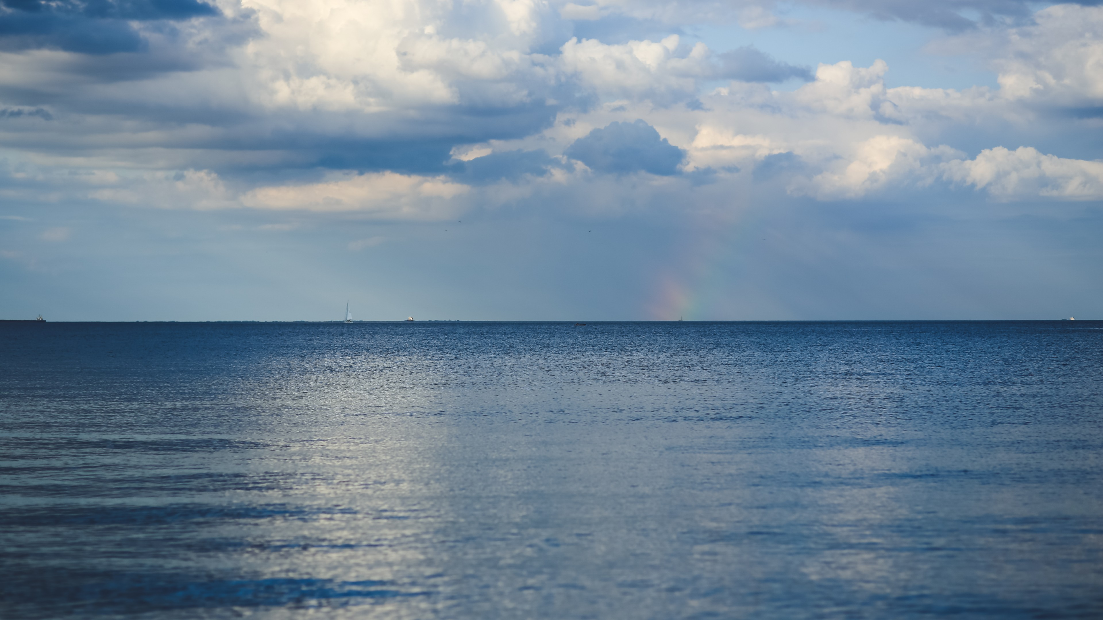 Ảnh background bầu trời trên biển