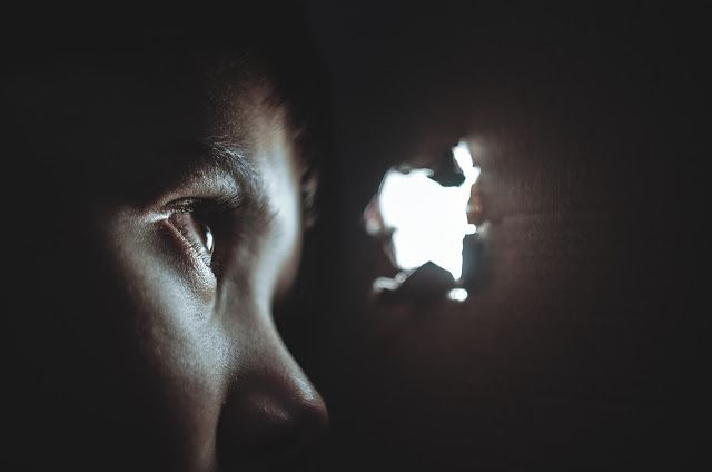 Hình ảnh ánh sáng trong sự tuyệt vọng