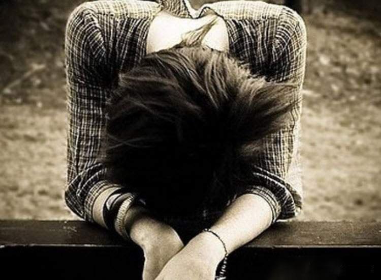 Hình ảnh con gái tuyệt vọng