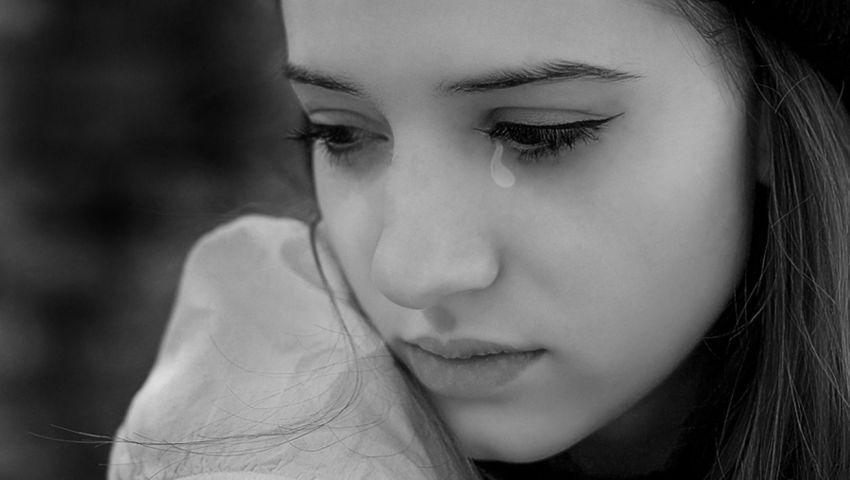 Hình ảnh khóc và tuyệt vọng