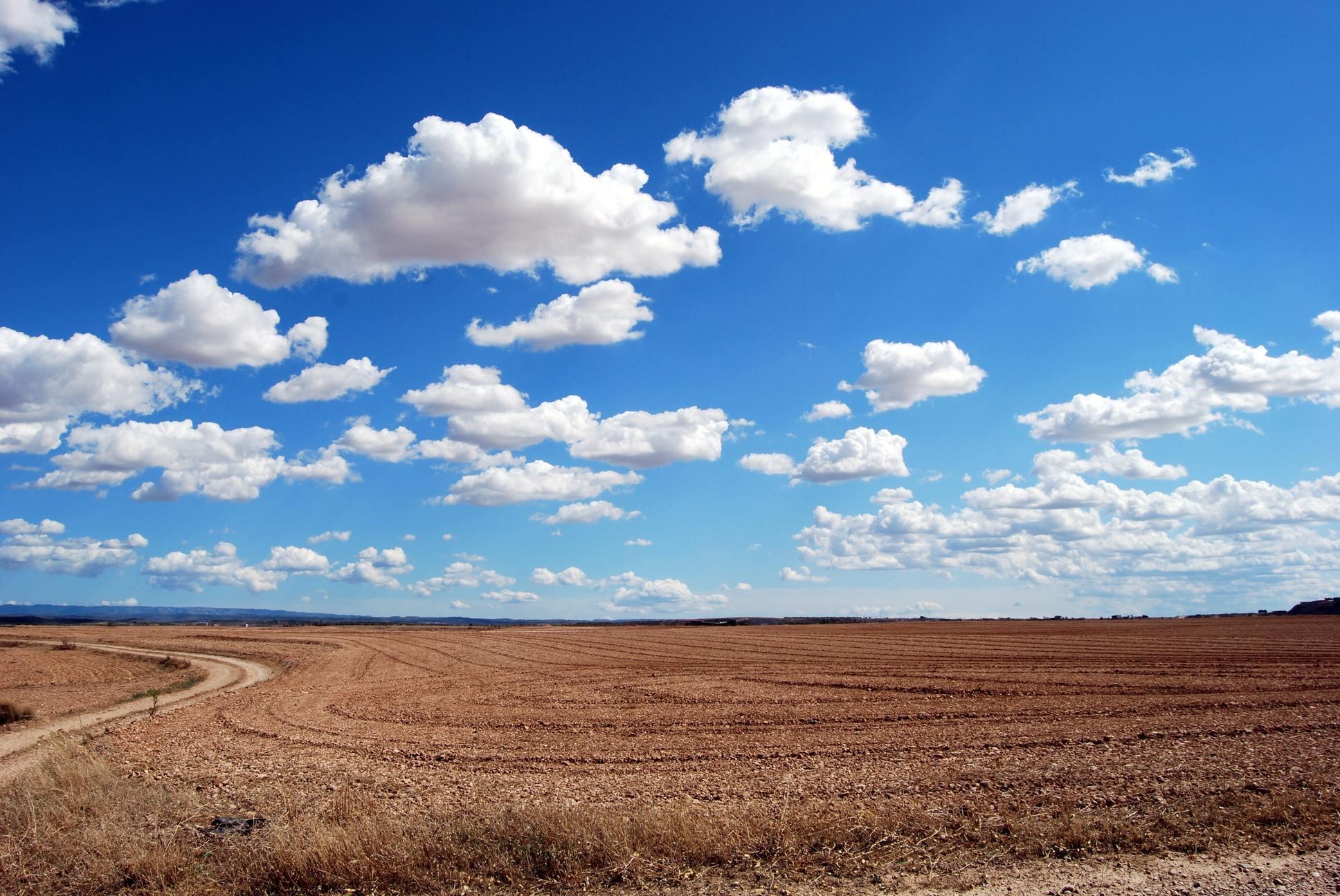 Ảnh bầu trời xanh nhiều mây