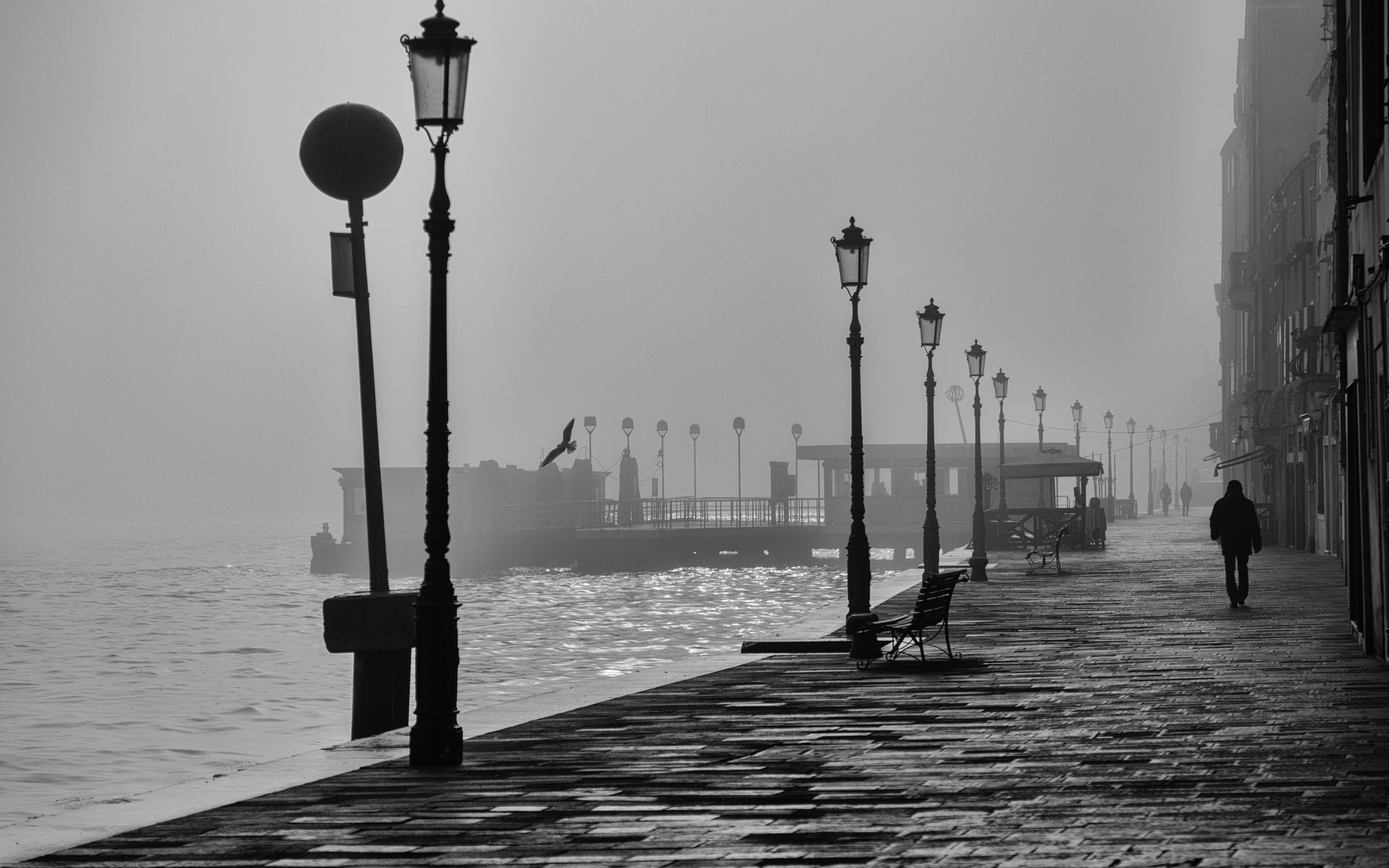 Hình nền bến cảng u tối buồn bã