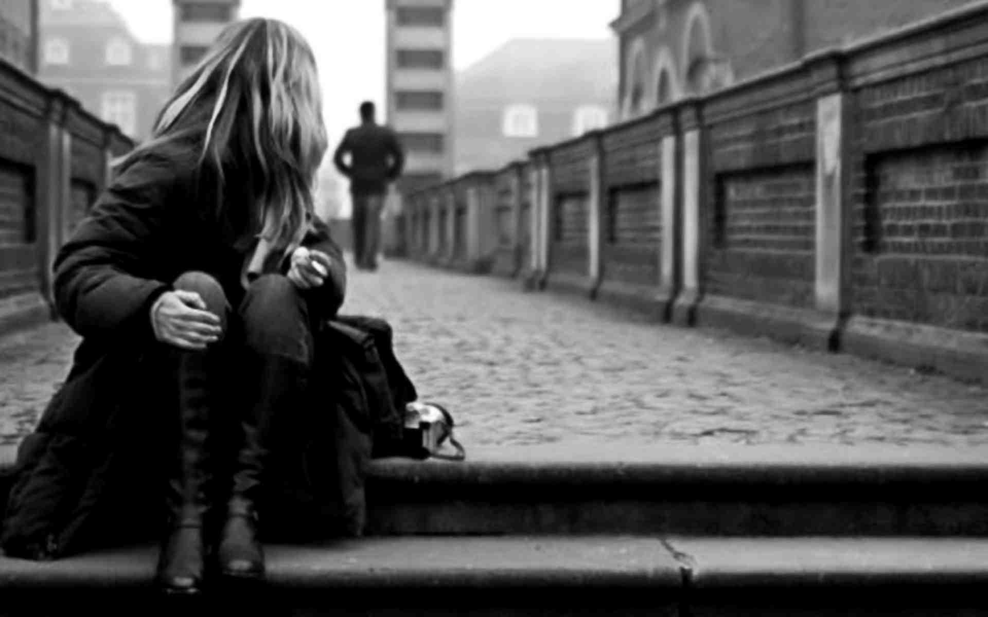Hình nền buồn người đi để lại mình ta