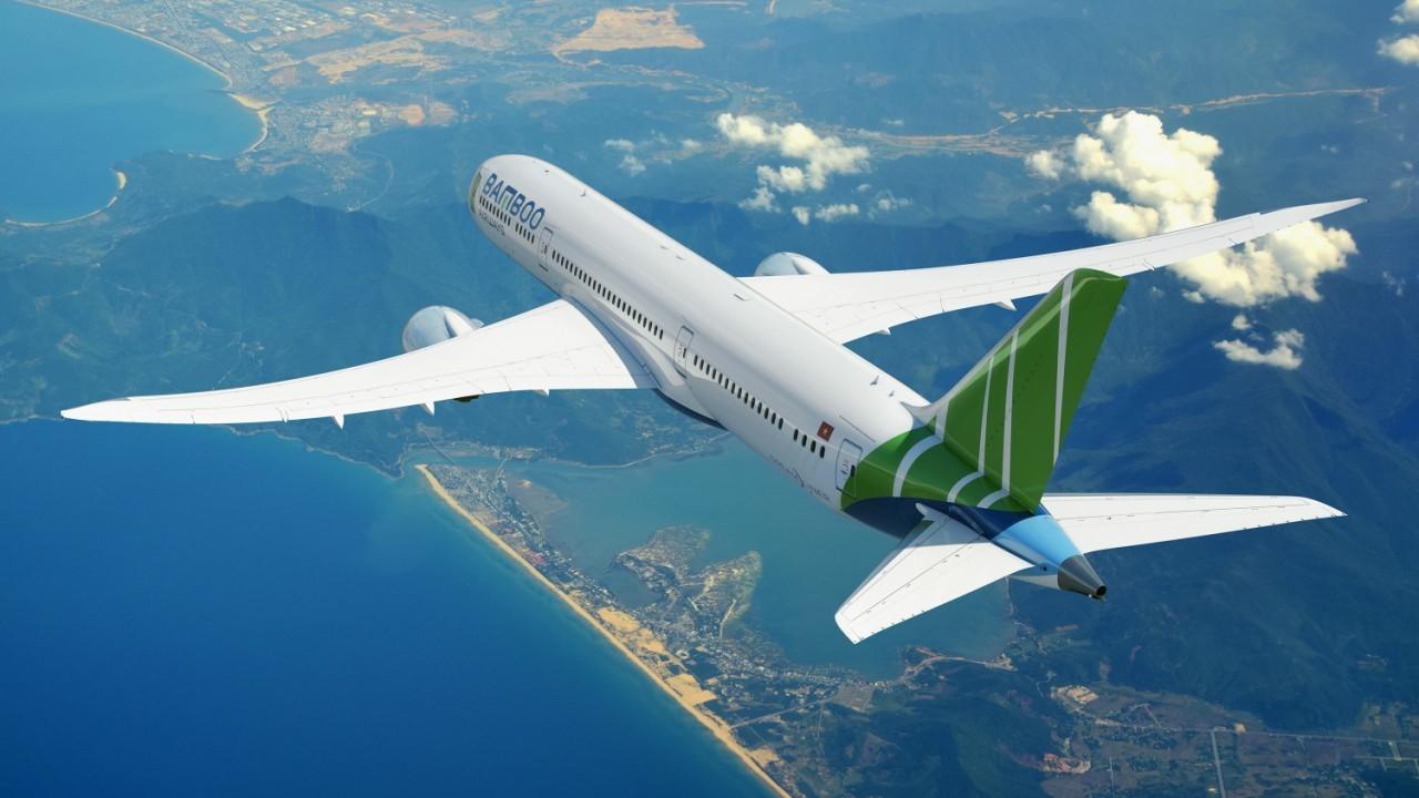Hình ảnh bay trên trời là máy bay