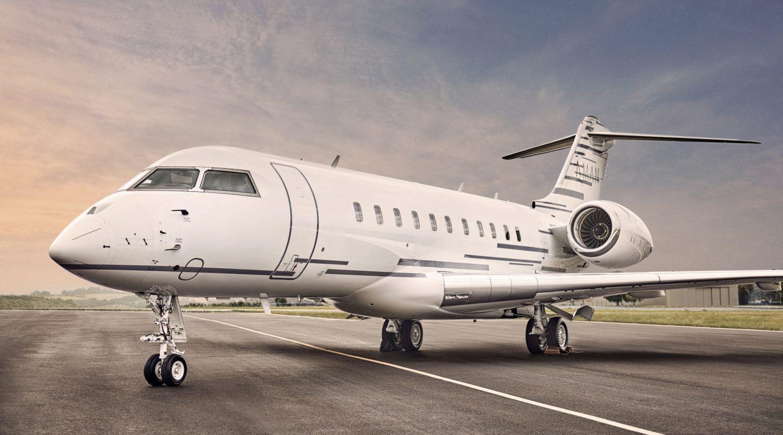 Hình ảnh máy bay đỗ tại sân bay