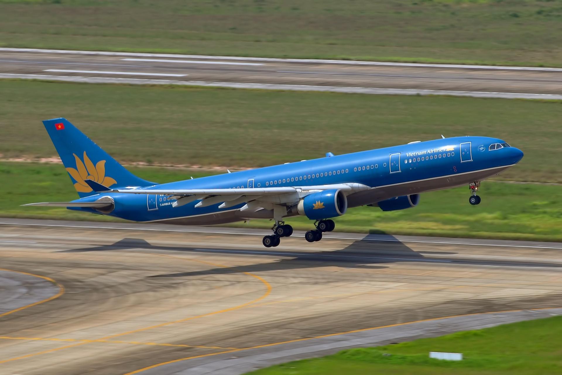 Hình ảnh máy bay xanh đẹp