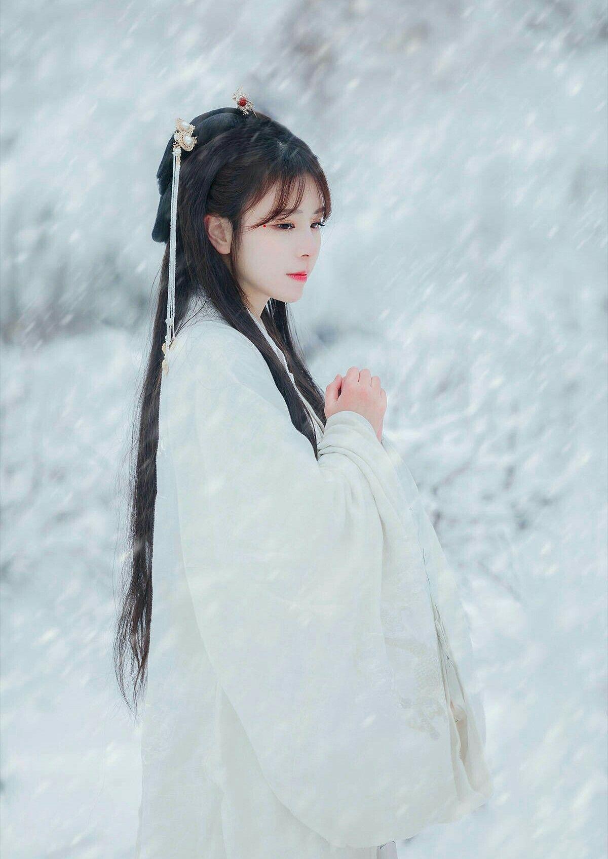 Hình ảnh mỹ nữ trong tuyết cực đẹp