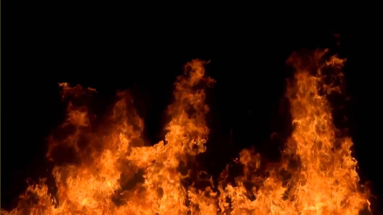 Hình ảnh ngọn lửa bùng cháy dữ dội