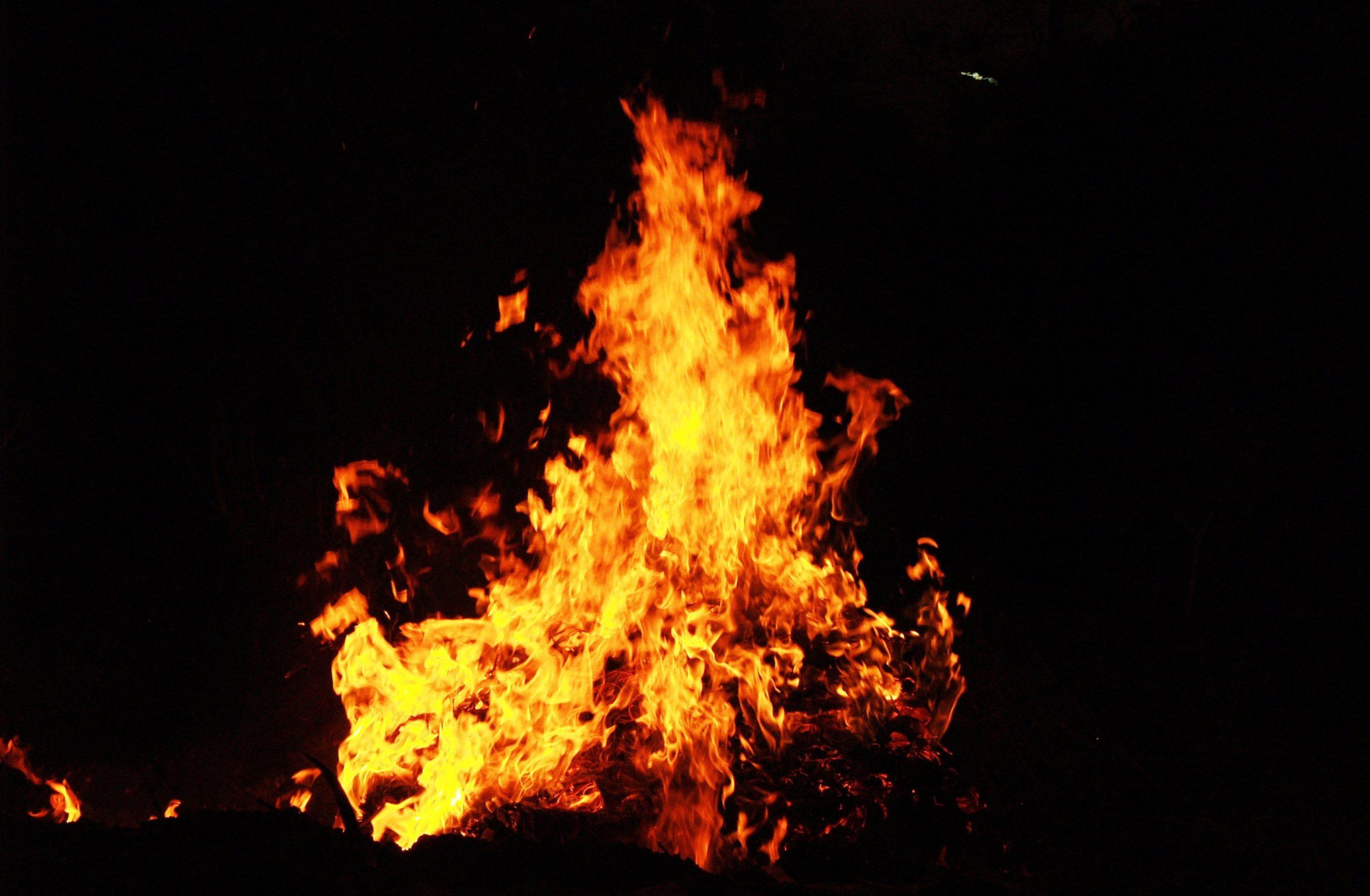 Hình ảnh ngọn lửa cực