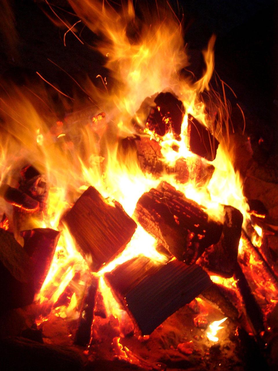 Hình ảnh ngọn lửa than cực đẹp