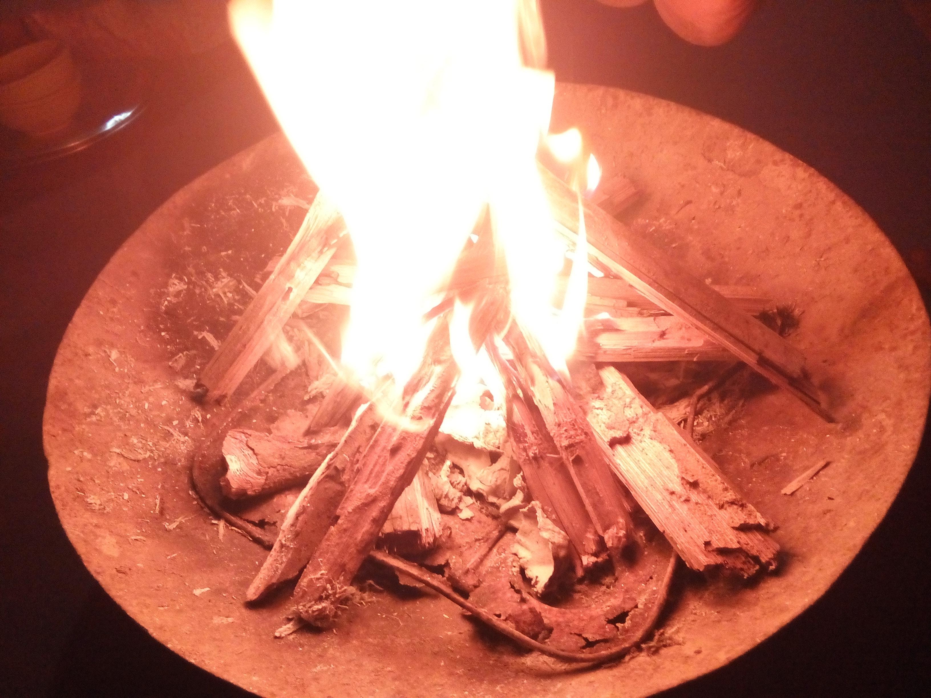 Hình ảnh ngọn lửa trong chảo cực đẹp