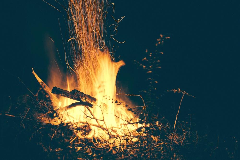 Hình ảnh ngọn lửa vàng cực đẹp