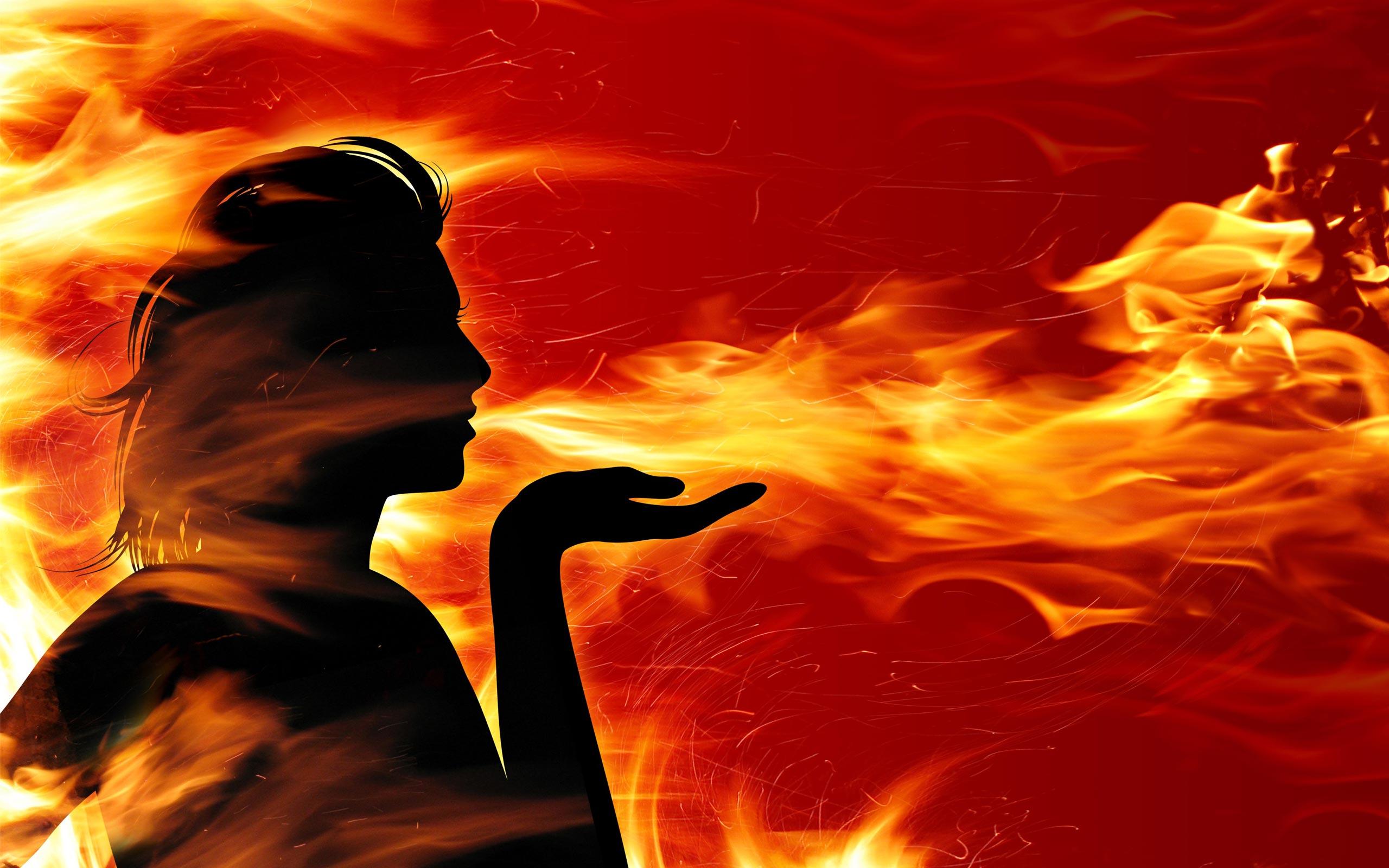 Hình ảnh người thổi ngọn lửa