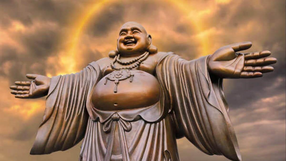 Hình ảnh Phật Di Lặc giang tay