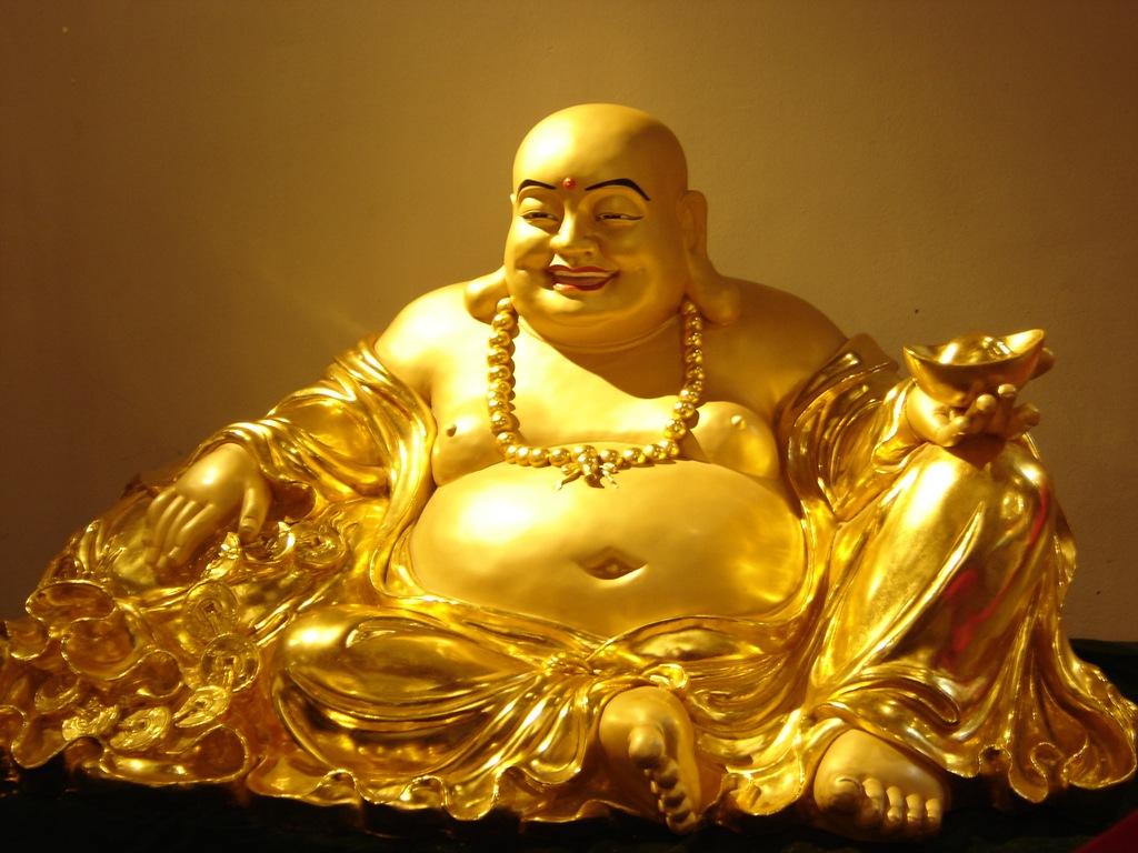 Hình ảnh tượng vàng Phật Di Lạc