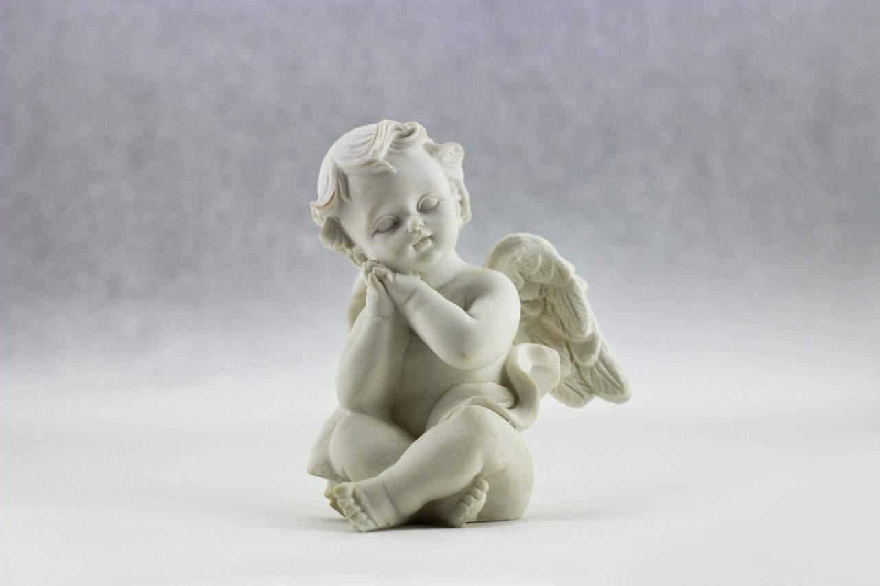 Tượng bé thiên thần xinh đẹp