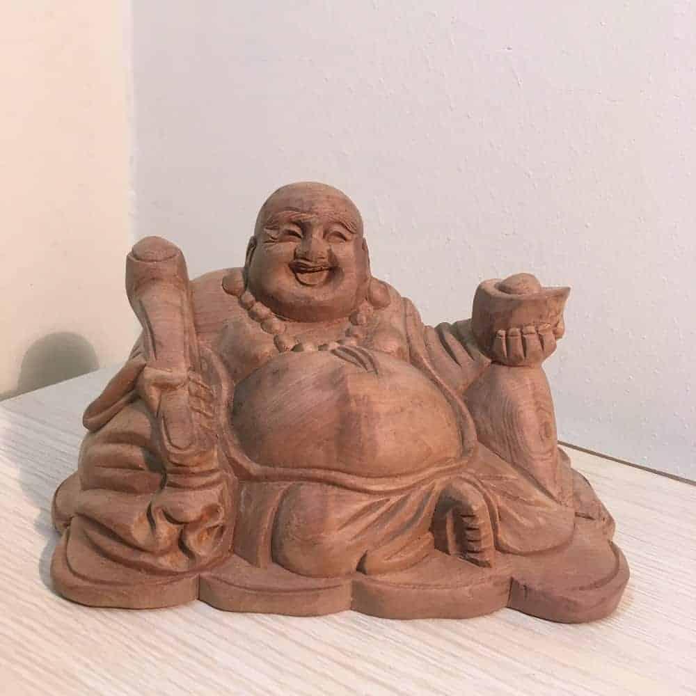 Tượng gỗ của Phật Di Lặc