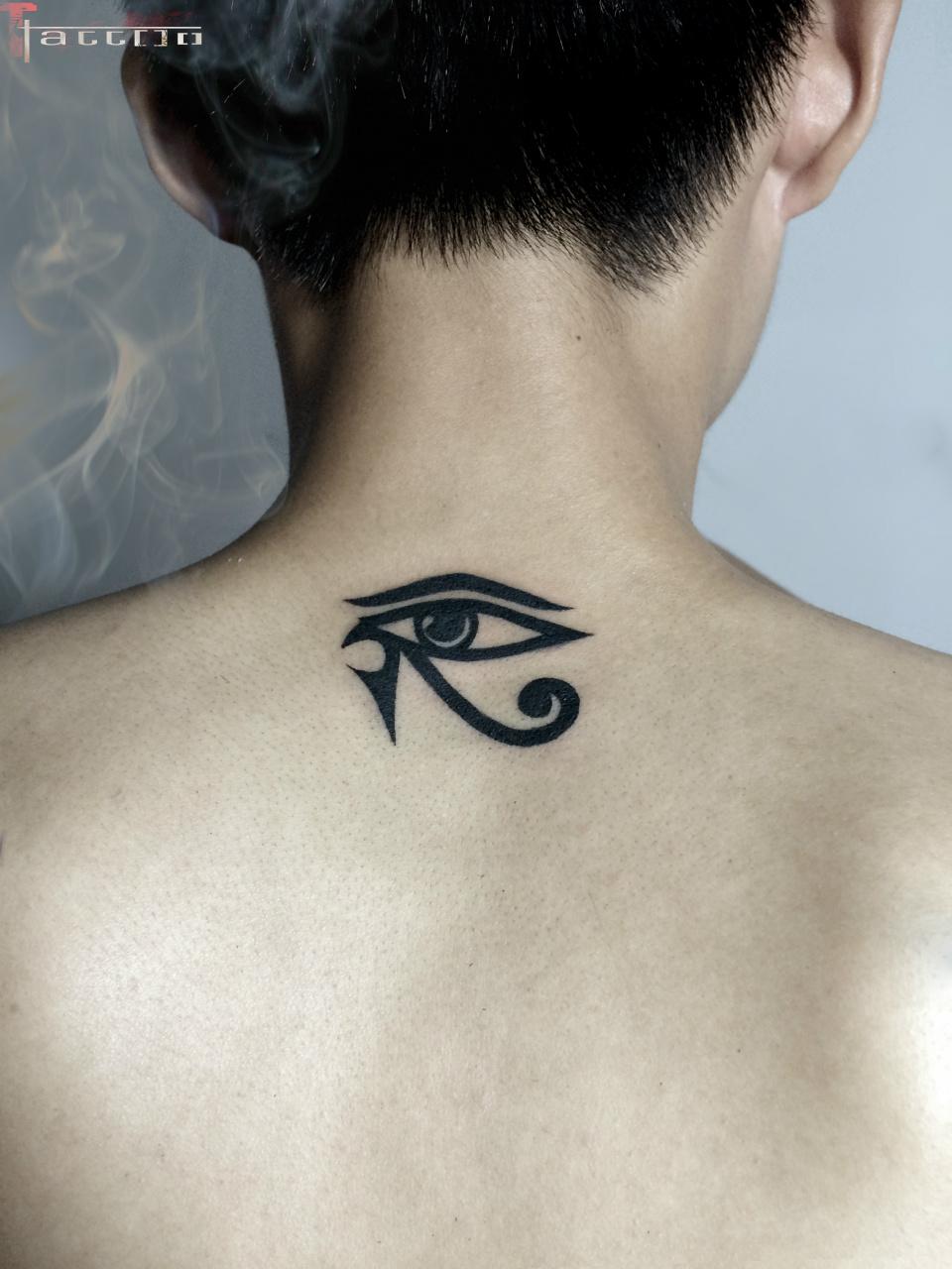Hình xăm mini con mắt Ai Cập