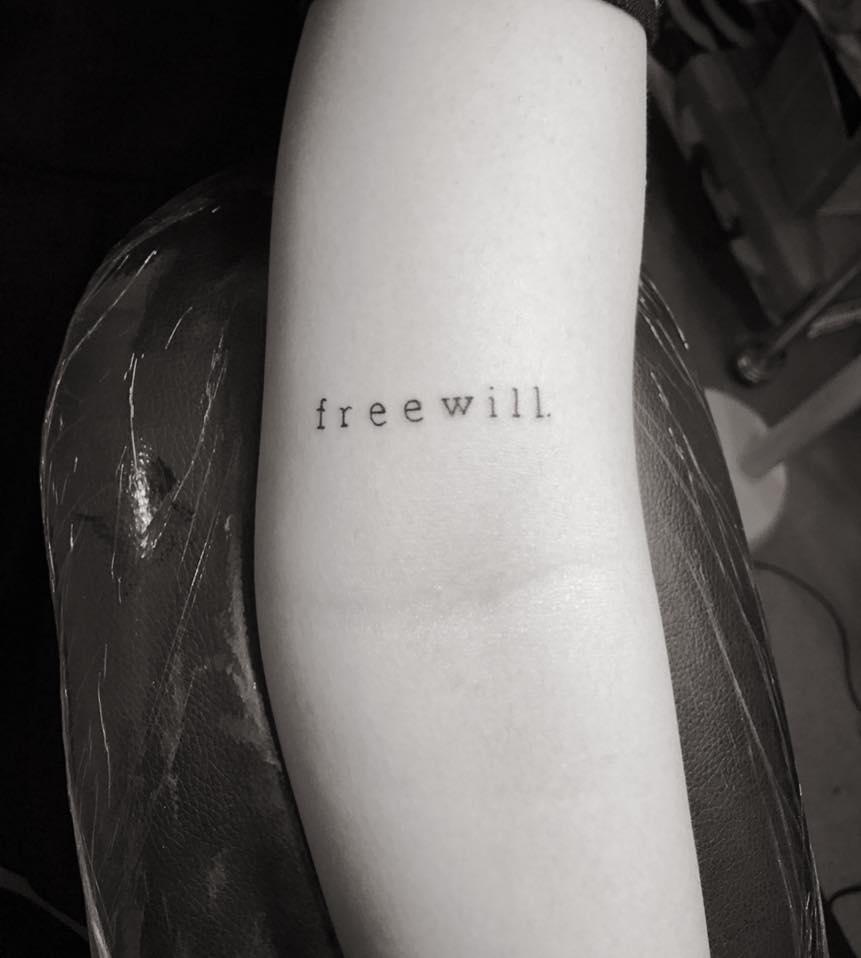 Hình xăm mini dòng chữ freewill