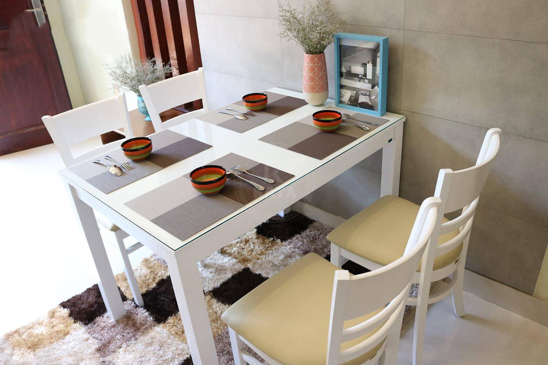 Mẫu bàn ăn cho nhà có không gian nhỏ